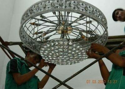 cuci-lampu-kristal-haji-sabilan-46