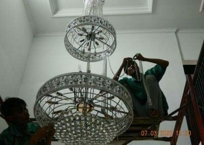cuci-lampu-kristal-haji-sabilan-53