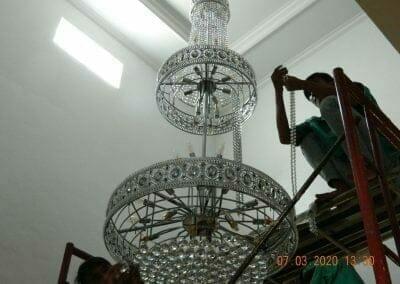 cuci-lampu-kristal-haji-sabilan-54