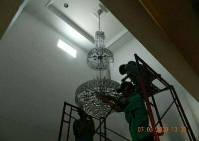 cuci-lampu-kristal-haji-sabilan-55