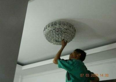 cuci-lampu-kristal-haji-sabilan-63