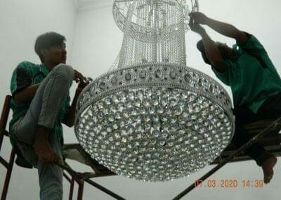 cuci-lampu-kristal-haji-sabilan-64