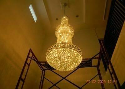 cuci-lampu-kristal-haji-sabilan-66