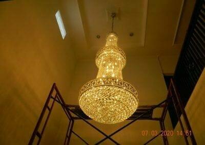 cuci-lampu-kristal-haji-sabilan-67