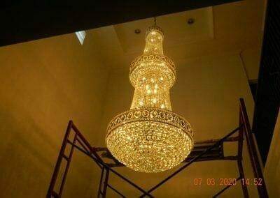 cuci-lampu-kristal-haji-sabilan-71