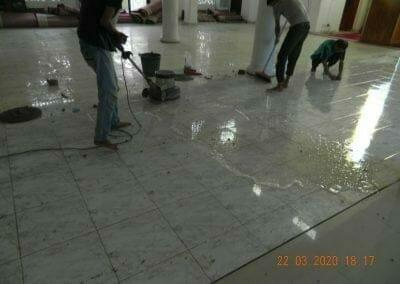 cuci-lantai-masjid-nurul-iman-15