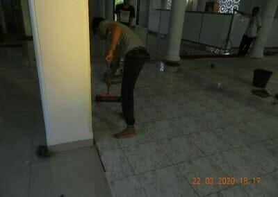 cuci-lantai-masjid-nurul-iman-17