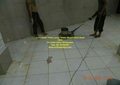 cuci-lantai-poles-lantai-teraso-91