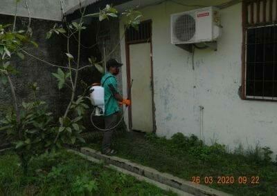 penyemprotan-disinfektan-rt01807rw04-17