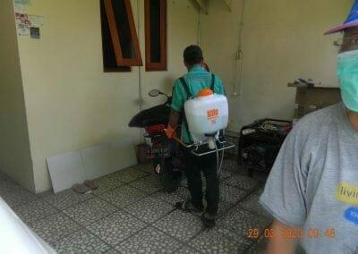 penyemprotan-disinfektan-rt091011rw10-05