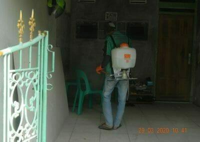 penyemprotan-disinfektan-rt091011rw10-22