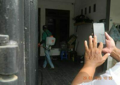 penyemprotan-disinfektan-rt091011rw10-31