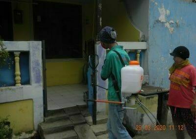 penyemprotan-disinfektan-rt091011rw10-41