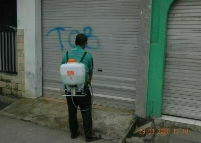 penyemprotan-disinfektan-rt091011rw10-55