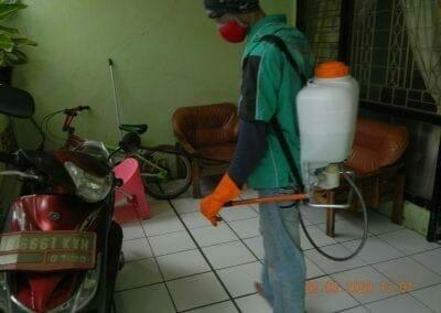 penyemprotan-disinfektan-rt091011rw10-85