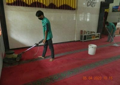 cuci-karpet-masjid-al-hidayah-13