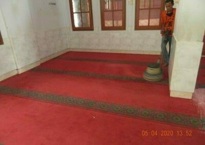cuci-karpet-masjid-al-hidayah-38