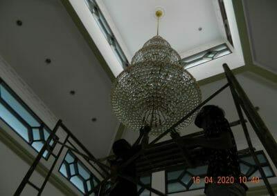 cuci-lampu-kristal-masjid-baiturrahman-09
