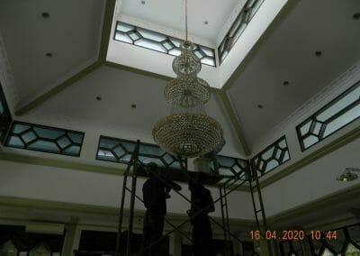 cuci-lampu-kristal-masjid-baiturrahman-12