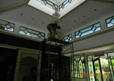 cuci-lampu-kristal-masjid-baiturrahman-17