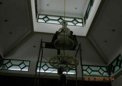 cuci-lampu-kristal-masjid-baiturrahman-29