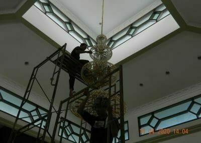 cuci-lampu-kristal-masjid-baiturrahman-30