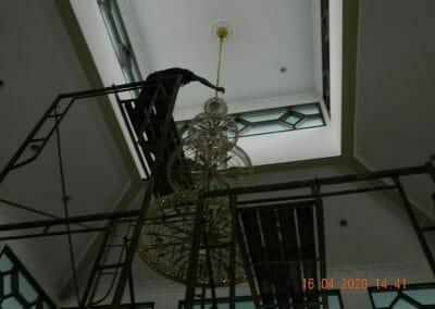 cuci-lampu-kristal-masjid-baiturrahman-35