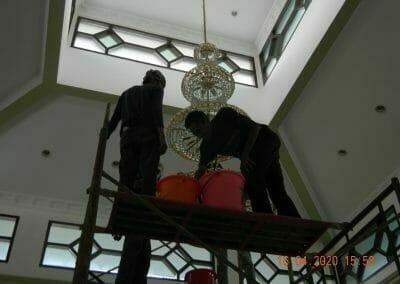 cuci-lampu-kristal-masjid-baiturrahman-36