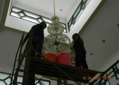 cuci-lampu-kristal-masjid-baiturrahman-37