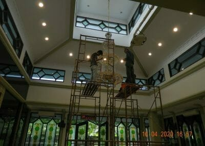 cuci-lampu-kristal-masjid-baiturrahman-44