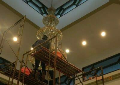 cuci-lampu-kristal-masjid-baiturrahman-48