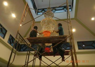 cuci-lampu-kristal-masjid-baiturrahman-49