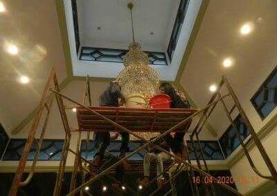 cuci-lampu-kristal-masjid-baiturrahman-51
