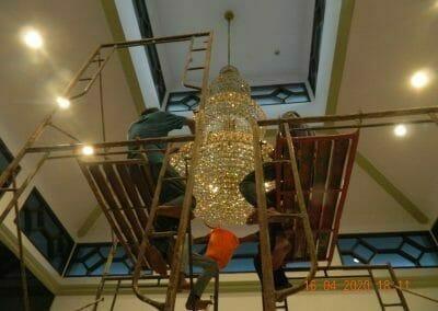cuci-lampu-kristal-masjid-baiturrahman-52