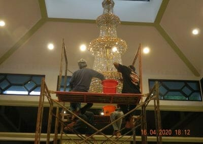 cuci-lampu-kristal-masjid-baiturrahman-54