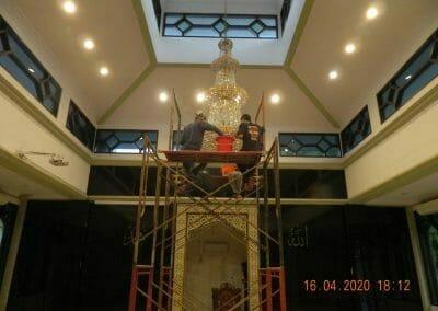 cuci-lampu-kristal-masjid-baiturrahman-55