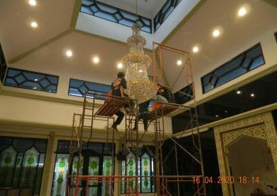 cuci-lampu-kristal-masjid-baiturrahman-58