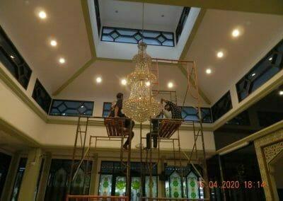 cuci-lampu-kristal-masjid-baiturrahman-59