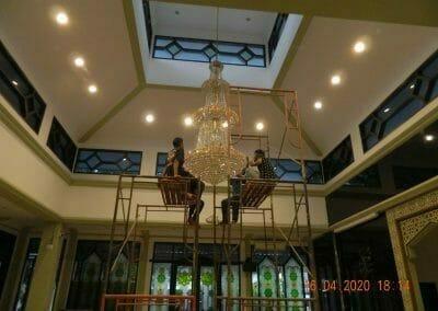 cuci-lampu-kristal-masjid-baiturrahman-60