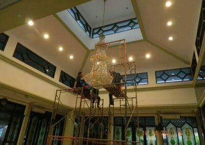 cuci-lampu-kristal-masjid-baiturrahman-61