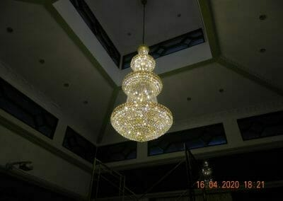 cuci-lampu-kristal-masjid-baiturrahman-64