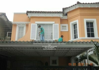 cuci-kaca-jendela-rumah-di-lippo-08