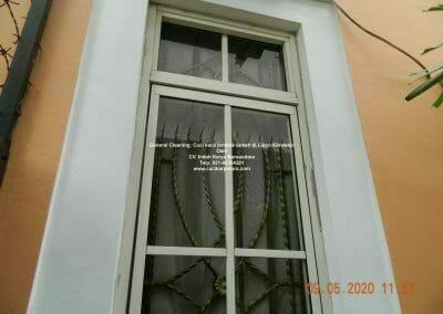 cuci-kaca-jendela-rumah-di-lippo-17