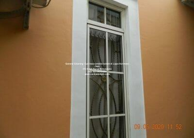 cuci-kaca-jendela-rumah-di-lippo-18