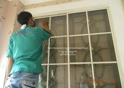 cuci-kaca-jendela-rumah-di-lippo-26