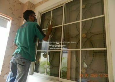 cuci-kaca-jendela-rumah-di-lippo-27