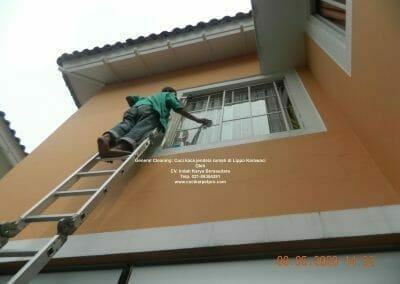 cuci-kaca-jendela-rumah-di-lippo-30