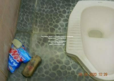 cuci-kamar-mandi-di-jarakosta-01