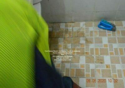 cuci-kamar-mandi-di-jarakosta-08