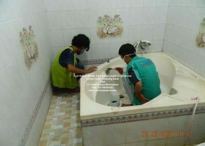 cuci-kamar-mandi-di-jarakosta-10